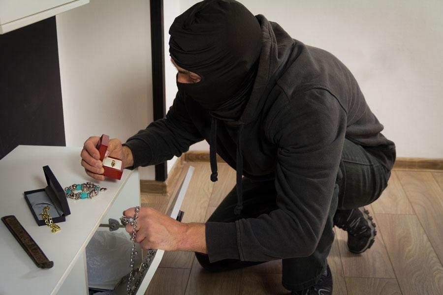 Burglar in home finds jewelry